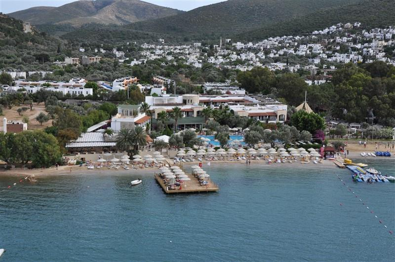İzer Hotel & Beach Club
